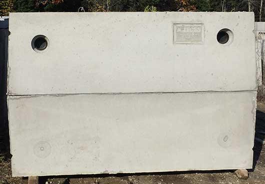 Mid-seam precast concrete septic tank